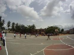 Dans la cour des écoles